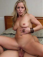 Zia invites a younger guy over and gets him to mount his dick into her MILF snatch