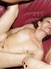 Explicit videos of horny older women Steph and Jullianna double teaming a cock dry